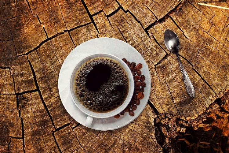 Káva je výborným a levným přípravkem na zlepšení erekci