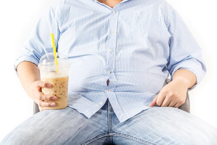 Dlouhodobá nadváha je významnou okolností pro bolesti kloubů i v mladém věku.