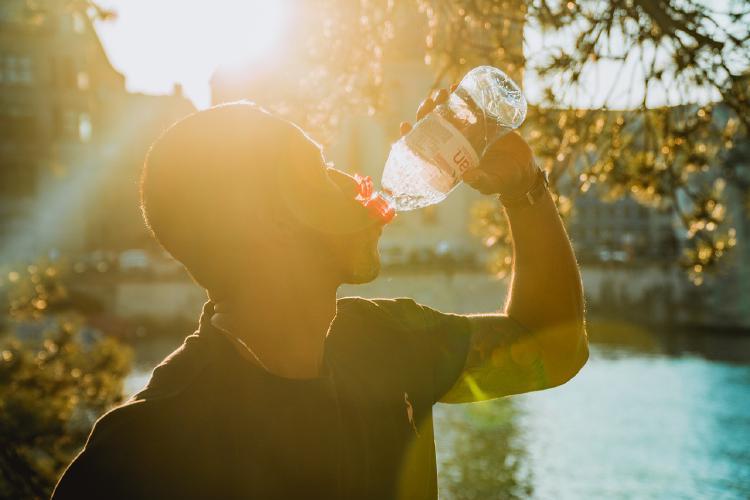 Pitný režim je veľmi dôležitý pre celkové zdravie, trávenie, imunitu a pevnú erekciu